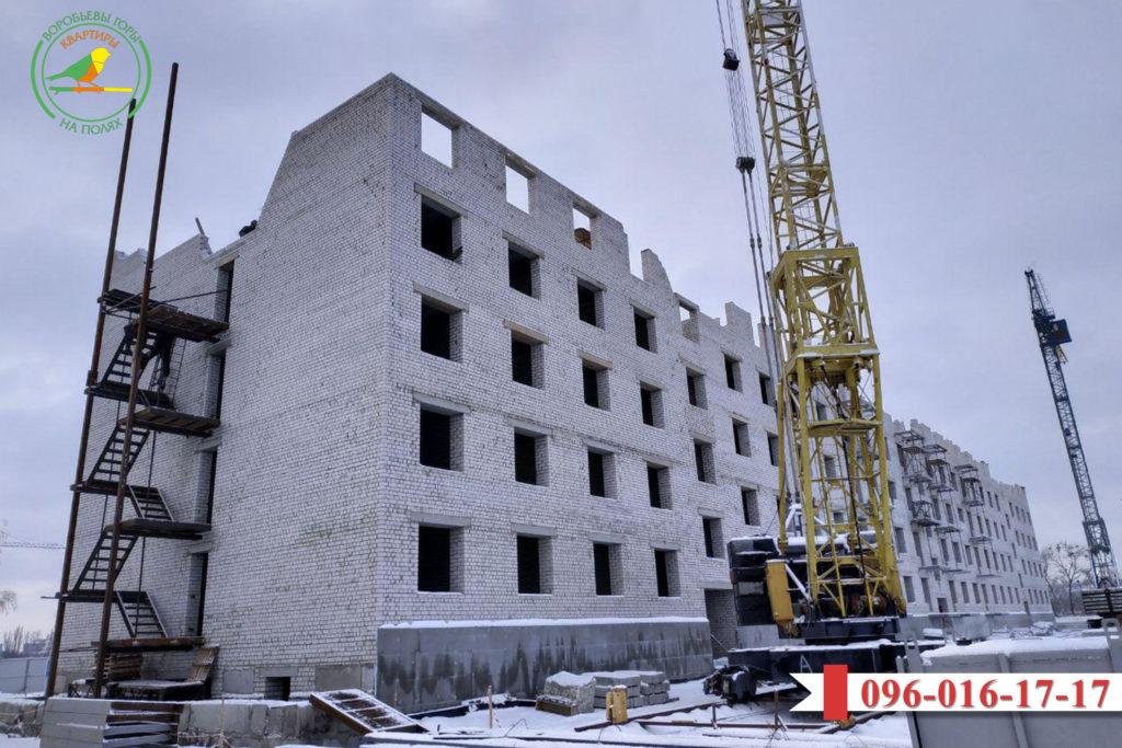 bystrymi-tempami-prodolzhaet-stroitsya-zhk-vorobevy-gory-na-polyax-2